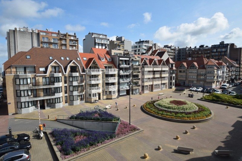 Zicht Kinkhoorn plein - residentie Square te koop - Immo Knokke Real Estate Kustlaan 275