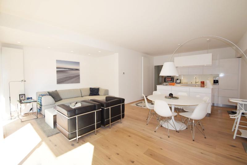 Prachtig appartement gelegen op enkele passen van het strand te koop bij ADS Knokke Real Estate