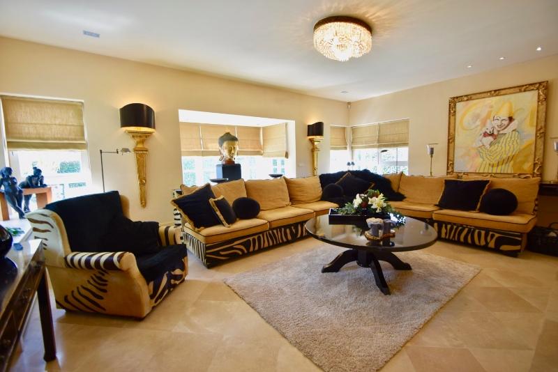 Villa te koop bij Knokke Real Estate  Anouska de Smul