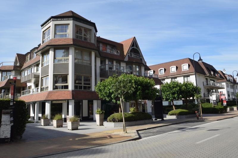 te huur garage box Kustlaan Knokke Balmoral Delvaux Longchamps Knokke Real Estate