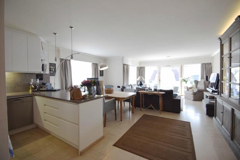 te huur Knokke hoekappartement real estate
