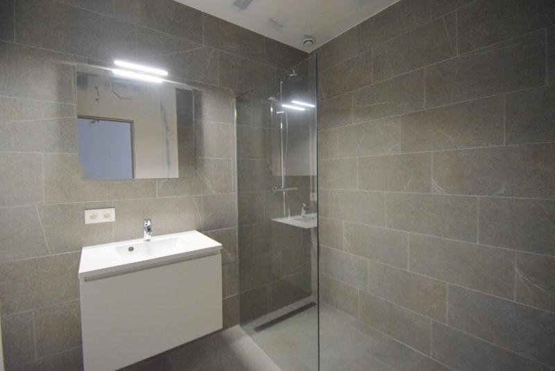 Woning Clos Des Arts Oosthoekplein 4 te koop bij Knokke Real Estate, badkamer 2
