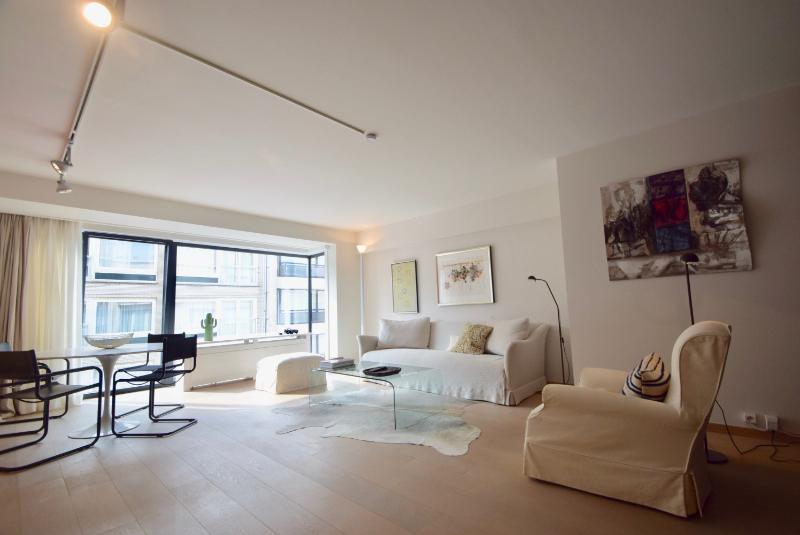 te koop appartement aan het Driehoeksplein Knokke Real Estate