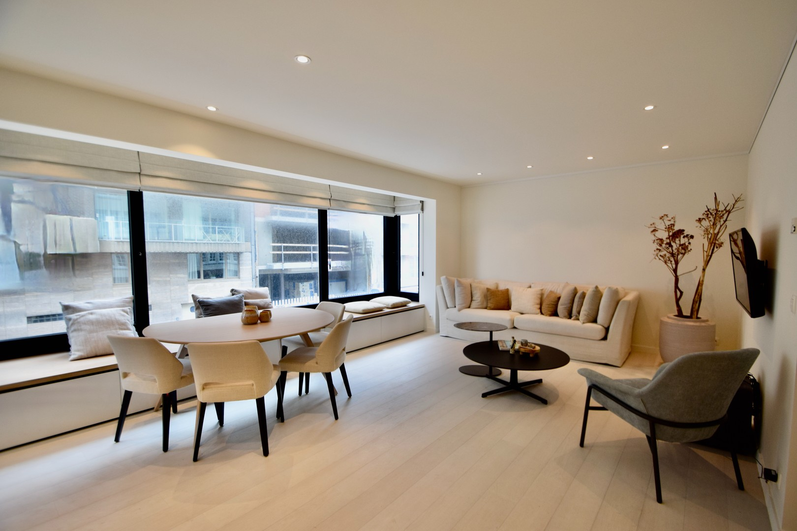 Gerenoveerd appartement met zijdelings zeezicht Knokke Real Estate